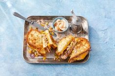 Tuna melt tosti Tuna Melts, Lunch Time, Sandwiches, French Toast, Brunch, Dinner Recipes, Healthy Recipes, Healthy Food, Bread