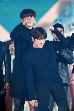 Hmmm :3 #ChanBaek #BaekYeol #Chanyeol #Baekhyun Cr : heyday Chanbaek Fanart, Exo Chanbaek, Chanyeol Baekhyun, Exo Ot12, Park Chanyeol, Kpop Exo, Taekook, K Pop, Exo Couple