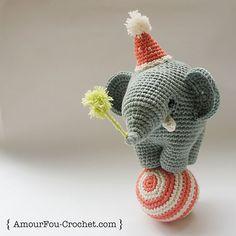 Gustav, the Circus Elephant | Amigurumi Circus design contest | entry by {Amour Fou - Crochet}