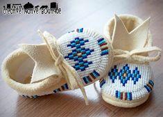 Creative Native Boutique Indian Beadwork, Native Beadwork, Native American Beadwork, Beaded Moccasins, Baby Moccasins, Moccasins Mens, Native Beading Patterns, Beadwork Designs, Baby Moccasin Pattern