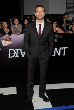 Theo James + Jai Courtney Wear Dolce & Gabbana to 'Divergent' LA Premiere
