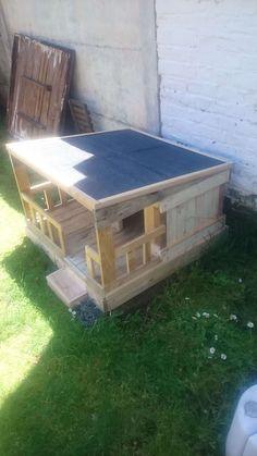 Original  Niche En Palette / Pallet Dog House  #doghouse #dogs #garden…
