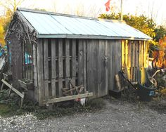 9 of the craziest things made of wood: A shed