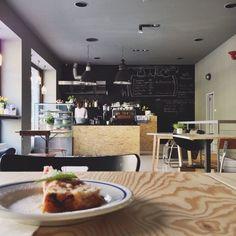 Kafe a dort: kavárna