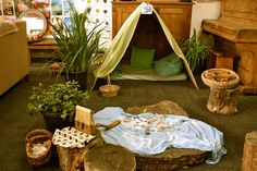 Invitation to play..at St Kilda & Balaclava Kindergarten. For more inspiring classrooms visit: http://pinterest.com/kinderooacademy/provocations-inspiring-classrooms/ ≈ ≈