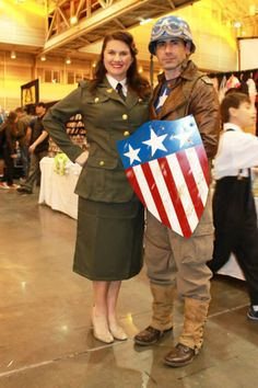 Retro WWII Captain America and Peggy Carter cosplay from Wizard World New Orleans.  Image by Toy Robot Photography Memphis, TN