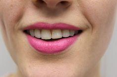 Weiß oder Gelb? Auf den Lippenstift kommt's an!