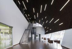 照明 直線 天井 デザイン - Google 検索