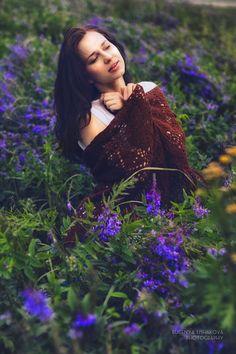 Фотосессия с Мариной в сиреневых цветах