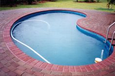DIY swimming pool installed and filled in 4 days