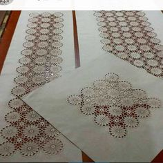 This Pin was discovered by HUZ Crochet Fabric, Crochet Doilies, Crochet Lace, Crochet Table Runner, Crochet Tablecloth, Doily Art, Knitting Patterns, Crochet Patterns, Doilies Crafts