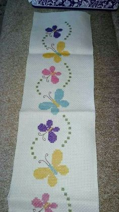 52 super ideas for embroidery butterfly punto croce Cross Stitch Boarders, Butterfly Cross Stitch, Cross Stitch Bookmarks, Cross Stitch Baby, Cross Stitch Flowers, Cross Stitch Designs, Cross Stitching, Cross Stitch Embroidery, Embroidery Patterns