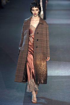 Louis Vuitton Fall 2013 Ready-to-Wear Fashion Show - Ondria Hardin