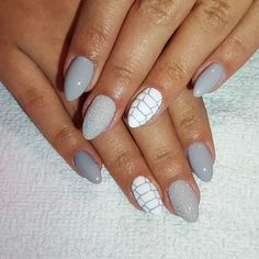 #nails #nail #hybrid #hybridnails #hybrydy #nailpolish #semilac #paznokciehybrydowe #nailart #semilac141 #ladyingrey #efektszronu