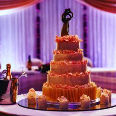 Planning for a #wedding or #civilcerimony ?We are now taking #chocolate #weddingcake booking for #2017 ! Book your consultation here: http://www.zuccheropatisserie.co.uk/consultation