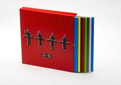 Kraftwerk-3-D (de cataloog) LP boxset    9 x LP     Grote LP Boxset van Kraftwerk 3-D.Uitgebracht in 2017TracklistDe catalogus - cd 1 (autosnelweg)A1 Autosnelweg 14:27B1 Kometenmelodie 1 5:29B2 Kometenmelodie 2 3:30B3 Mitternacht 2:15B4 Morgenspaziergang 1:17De catalogus - cd 2 (radioactiviteit)C1 Geiger Counter 0:31C2 Radioactiviteit 6:14C3 Radioland 5:55C4 Pauze 0:25C5 Nieuws 1:17D1 Airwaves 6:01D2 De stem van energie 0:51D3 Antenne 3:37D4 Radio sterren 2:19D5 Uranium 1:26D6 Transistor…