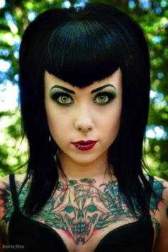 Megan Massacre I seriously heart her and would love a piece by her! Megan Massacre I Love You. Ami James, Ny Ink, Death Metal, Pelo Retro, Chica Dark, V Bangs, Piercings, Ear Peircings, Body Piercing