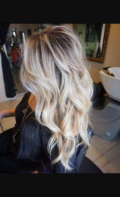Looove the cut 💕💕 Brown Blonde Hair, Sandy Blonde, Hair Color And Cut, Hair Affair, Balayage Hair, Haircolor, Great Hair, Hair Highlights, Hair Day
