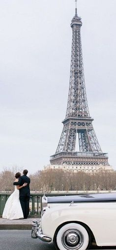 Wedding in Paris Parisian Wedding, Parisian Cafe, French Wedding, Dream Wedding, Beautiful Paris, Paris Love, Tour Eiffel, Couple Photography, Wedding Photography
