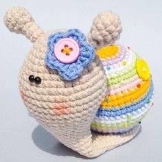Lady Snail AmigurumiThis crochet pattern / tutorial is available for free... Full Post:Lady Snail