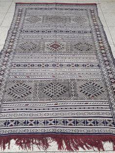 Moroccan Rug Carpet Kilim Azilal Berber Handmade Wooven Atlas Wool Authentic