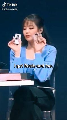 All Korean Drama, Dance Kpop, Blackpink Poster, Blackpink Funny, Blackpink Memes, Blackpink Video, Bts Dancing, Blackpink And Bts, Black Pink Kpop