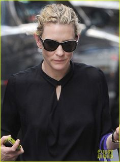 cate blanchett uncle vanya greetings 03 Cate Blanchett keeps it classic in an all-black ensemble as she arrives at Lincoln Center for a performance of Uncle Vanya on Thursday (July 26) in New York City.…