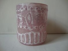 Theelichthouder roze: Maten: hoog 6 x breed 7 cm Prijs: € 3,95 — bij Chateau de Sentiment.