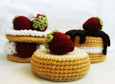 CROCHET PATTERN Strawberry Sweet Cakes: Permission to sell finished items