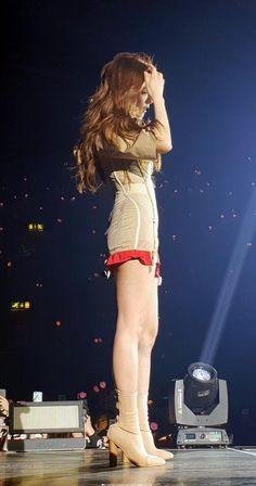 """the bad bitch energy she emits"" Kim Jennie, South Korean Girls, Korean Girl Groups, Blackpink Fashion, Fashion Outfits, Black Pink ジス, Rose Bonbon, Blackpink Photos, Blackpink Jisoo"