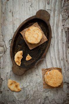 Receta Casabe: El casabe es el plato más antiguo de nuestra herencia culinaria, y base de la dieta taína. Aprende cuan fácil es hacerlo.