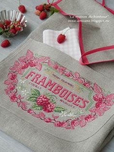 Strawberries, perfect in every way! Cross Stitch Fruit, Cross Stitch Kitchen, Cross Stitch Needles, Cross Stitching, Cross Stitch Embroidery, Hand Embroidery, Cross Stitch Designs, Cross Stitch Patterns, Stitches Wow
