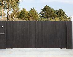 Moderne Einfahrtstore aus Holz