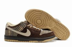 differently f328a 8463f Nike SB Dunks Low Tweed