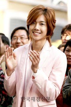 """Boys Over Flowers"" -- Korean Drama. Boys Over Flowers, Boys Before Flowers, Korean Celebrities, Korean Actors, Celebs, Korean Dramas, Kim Joon Hyun, Joon Hyung, Ji Hoo"