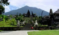 """Bali is know as the """"island of a thousand temples"""". In just about every village in Bali, there are actually quite a few temples and at the least one smaller one in every single dwelling."""