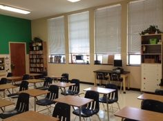 Classroom arrangement tips: includes photo tours of 5th grade and 6/7/8 grade classrooms