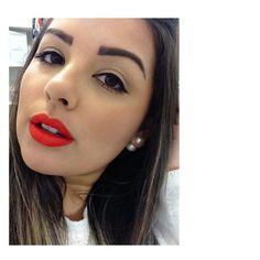 B͟͟e͟͟t͟͟t͟͟e͟͟r͟͟ l͟͟a͟͟t͟͟e͟͟ t͟͟h͟͟a͟͟n͟͟ n͟͟e͟͟v͟͟e͟͟r͟͟! 🙈🙈🙈 ✔️ Day 26: bright bright orange pra animar a terça-feira que não decidia se teria sol, chuva ou neblina! Soft Matte Lip Cream @nyxcosmeticos_br na cor 🅜🅞🅡🅞🅒🅒🅞 😍❤️💋💄 #30tonsdeClau #makeupdaclau #makeuplovers #makeupoftheday #lipsticklovers