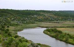 П'ятеро у човні, не рахуючи собаки, у Малині почали відтворювати водний шлях древлян - Вголос.zt - інформаційно-аналітичний…