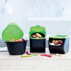 The most appealing way to keep potatoes fresh and firm! The Potato Smart Container has a perforated flip-front access panel to ensure optimal air circulation and can be stacked with other Potato Smart Containers for easy storage. Pantry Room, Kitchen Pantry, Kitchen Utensils, Kitchen Storage, Kitchen Decor, Cool Kitchen Gadgets, Cool Gadgets, Cool Kitchens, Storage Boxes