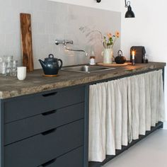 At Jan de Jong Interieur in Leeuwarden in the Netherlands, designer Christien Starkenburg built out a modern kitchen with a white, charcoal, and pale gray Cabinet Fronts, Kitchen Cabinet Pulls, Kitchen Drawers, Kitchen Cabinets, Cabinet Doors, Kitchen Sink, Rustic Kitchen, New Kitchen, Kitchen Decor