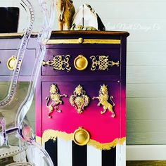 Trying the Mad Hatter Paint Finish! Colorful Furniture, Unique Furniture, Paint Companies, Dixie Belle Paint, Color Inspiration, Furniture Inspiration, Mineral Paint, Chalk Paint Furniture, Paint Finishes