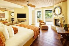 Great 70+ Great Master Bedrooms with Hardwood Floors https://homegardenmagz.com/70-great-master-bedrooms-with-hardwood-floors/