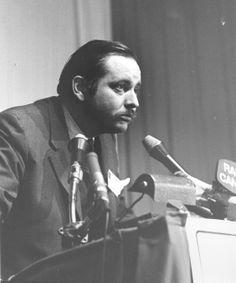 Jacques Parizeau, économiste, en point de presse en 1970 #HistoirePQ #polQC