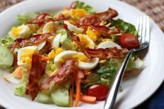 Bacon and Egg Garden Salad recipe by Barefeet In The Kitchen.recipe for making the dressing too** Meat Salad, Bacon Salad, Soup And Salad, Pasta Salad, Pasta Dinner Recipes, Salad Recipes, Pasta Dishes, Food Dishes, Dishes Recipes