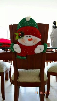 1000 images about forros para sillas navidad on pinterest chair covers papa noel and navidad - Sillas de decoracion ...