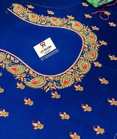 Hand Work Blouse Design, Aari Work Blouse, Simple Blouse Designs, Blouse Designs Silk, Traditional Blouse Designs, Wedding Saree Blouse Designs, Hand Designs, Antique Gold, Hand Embroidery