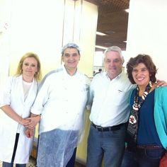 Da esquerda para direita - Filha do atual Dono, Chefe confeiteiro Italiano e dono e filho da Família Di-Cunto!
