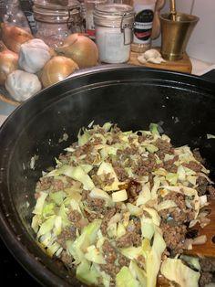 Tupun tupa: Jauheliha-kaalipaistos Chili, Pasta, Beef, Food, Meat, Chili Powder, Chilis, Essen, Ox