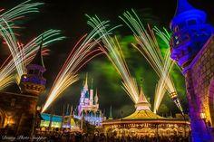 Wishes from fantasyland Disney Parks, Walt Disney World, Disney Fireworks, 8th Sign, Disney Christmas, Disney Pictures, Epcot, Magic Kingdom, Image Photography